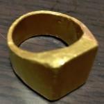 純金リングを溶かして半分に分けて結婚指輪にすることが出来ますか?(K24)